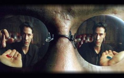 Une conférence sur la nature de la réalité  La synchronicité: un pont entre l'âme et la science Pilule_bleue_rouge